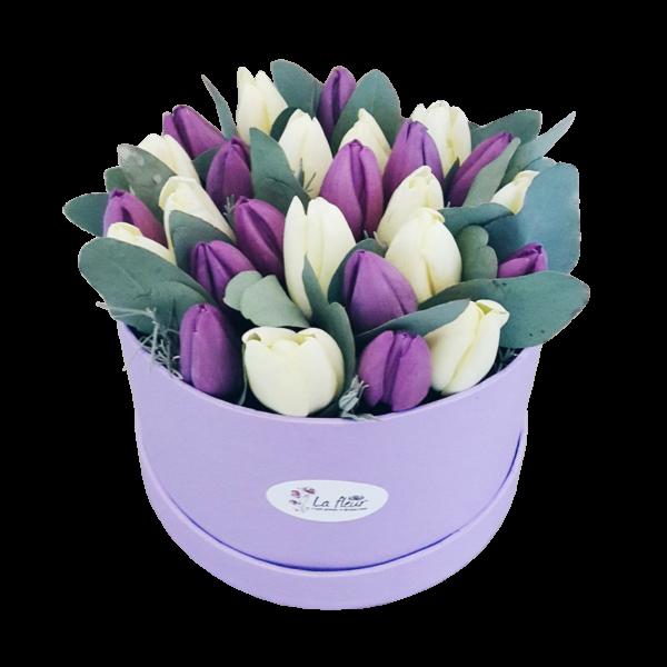 "Шляпная коробка с цветами ""Для тебя"""