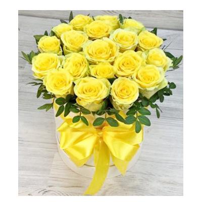 Шляпная коробка с цветами №2